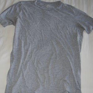 H&M basics T-shirt size Medium